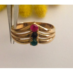 Кольцо из жёлтого золота с сапфиром, изумрудом и рубином