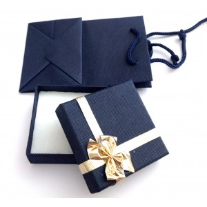 Футляр для браслетов и цепочек с сумочкой