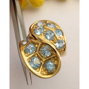 18kt Solid Gold Ring with Light-Blue Topaz- gr. 18