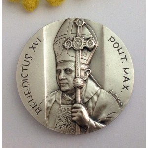 """Medaglione """" Papa Benedetto XVI° e  Santo Papa Giovanni Paolo II°"""