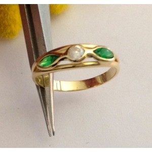 18kt Solid Gold Ring with Stones - gr. 1.8