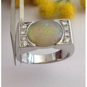 18kt Solid Gold Ring with Opal and Diamonds- gr. 10.72
