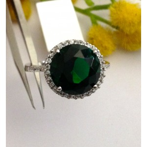 925 Sterling Silver Ring with Green Cubic Zriconia