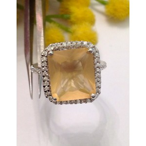 925 Sterling Silver Ring with Cubic Zirconia Honey