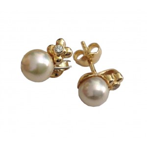 18kt Solid Yellow Gold Pearls & Diamonds Earrings