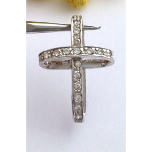 Стилизованный крест из белого золота с кубическим цирконием - 18 кт.