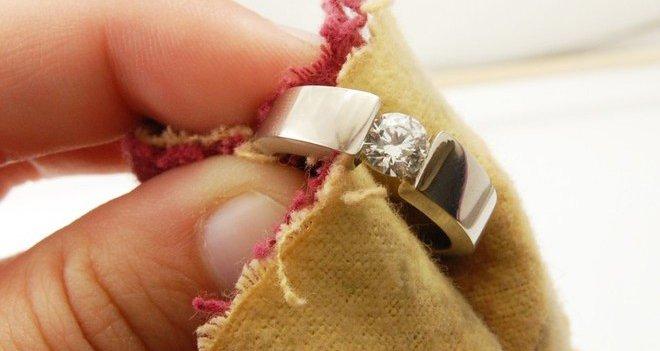 Come pulire i gioielli in oro giallo