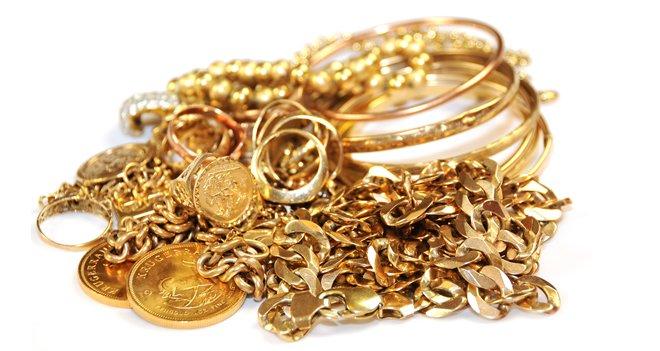"""Metodo """"fai da te"""" per pulire l'oro giallo senza dover ricorrere a un orafo"""